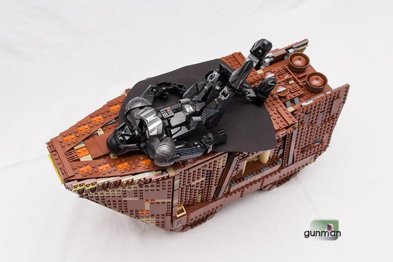 ThebrickReview:LEGO 75059-1 UCS Sandcrawler 24172926992_c225a15d1f_c