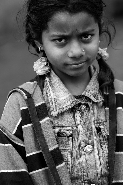 महिलवार The Girl in The Road