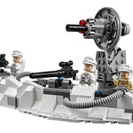 LEGO Star Wars 75098 Ultimate Collector's Series Assault on Hoth 08