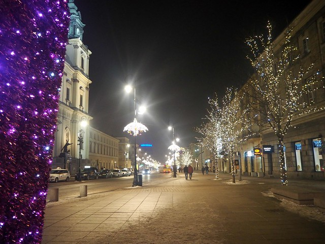 VarsovaP1236278,VarsovaP1236105,VarsovaP1236020,VarsovaP1235962, warsaw, skyscraper, sun, aurinko, winter, talvi, , polska, puola, poland, city, kaupunki, pääkapunki, capital, polish, matka, matkat, travel, travels, travelling, nowy swiat, kävelykatu, lights, valot, joulu, christmas, koristeet, decoration, kuninkaantie,