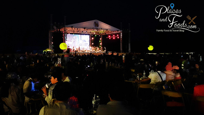 singha hot air balloon fiesta night performance