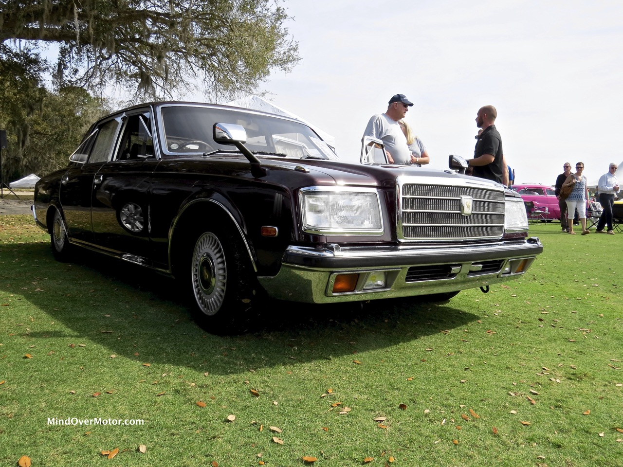 Toyota Century Front Doors Closed