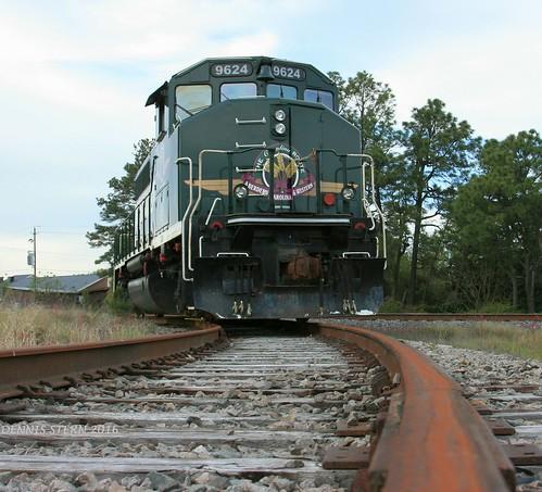 railroad northcarolina rail locomotive sevenlakes gmdd gp402lw aberdeencarolinaandwesternrr