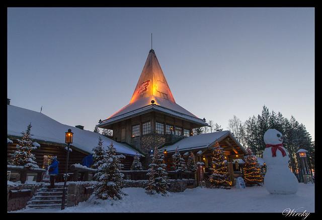Laponia motos nieve renos pueblo papa noel - Casa de Papa Noel