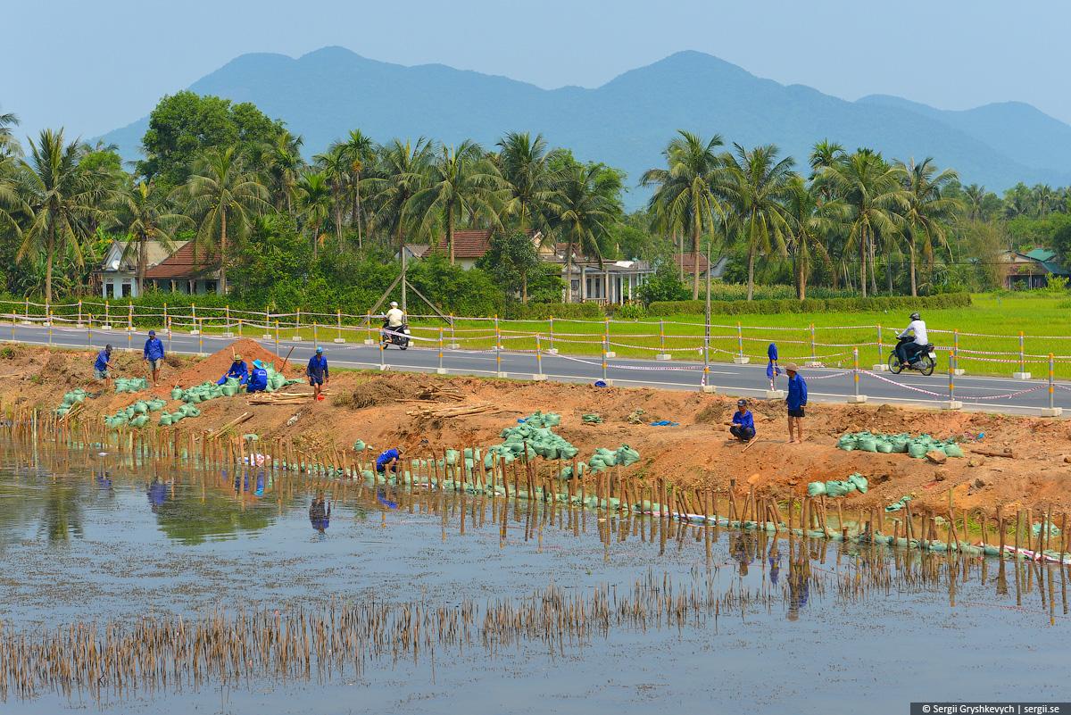 vietnam_reunification_express_train-37