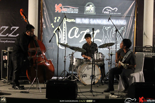 Bumi Sangkuriang Jazz Night 2 - Dion Janapria-VMS Rhythm Section (1)