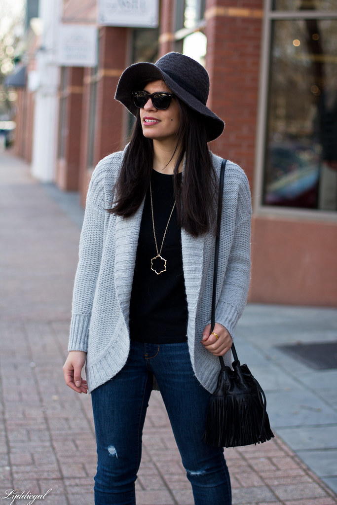 grey cardigan, black tee, grey hat, black booties-4.jpg