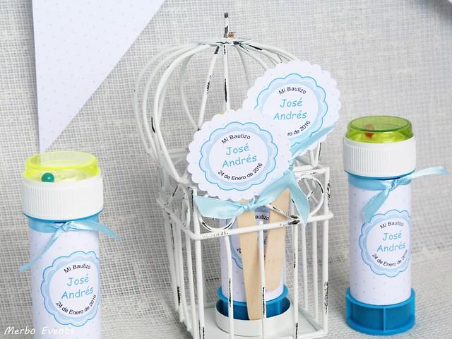 pomperos personalizados celestes bautizo