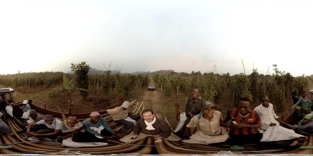Départ vers la plantation de poivre de Penja