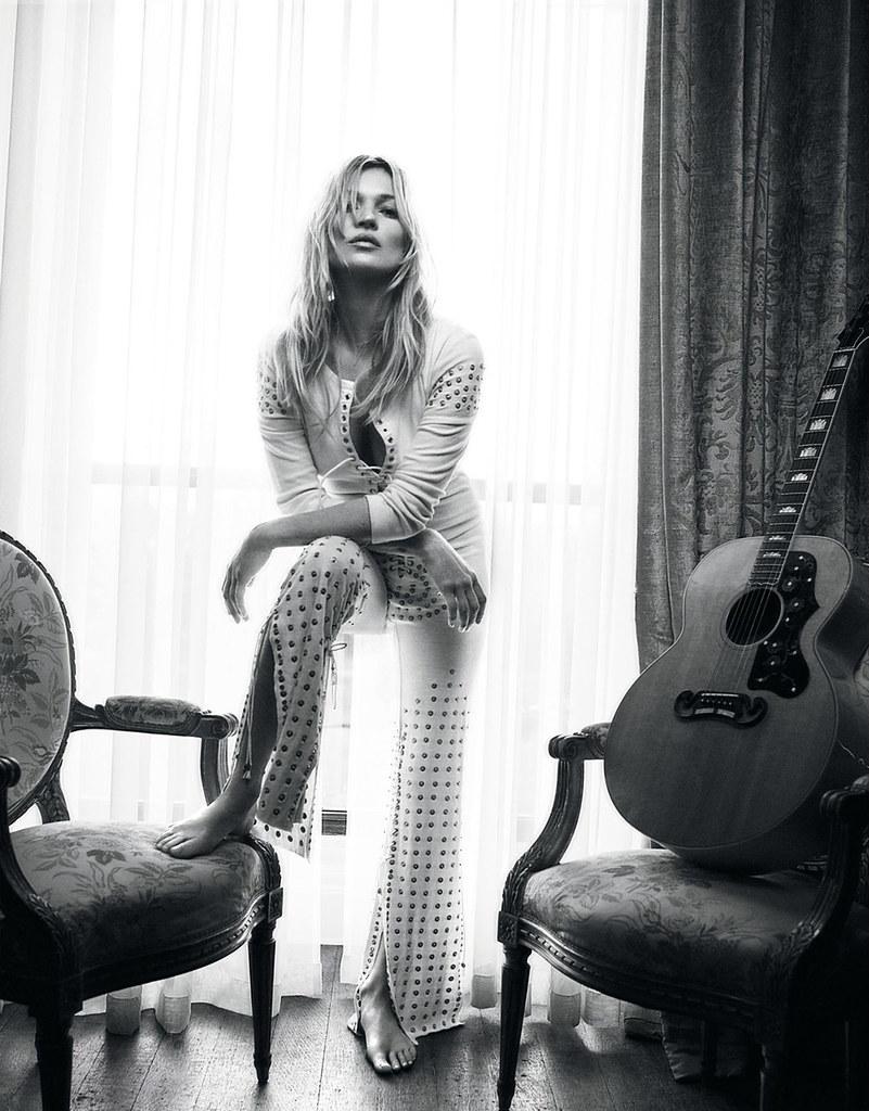 Кейт Мосс — Фотосессия для «Vogue» UK 2016 – 5