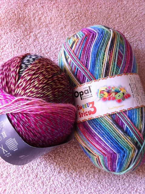 supporting yarn shop day