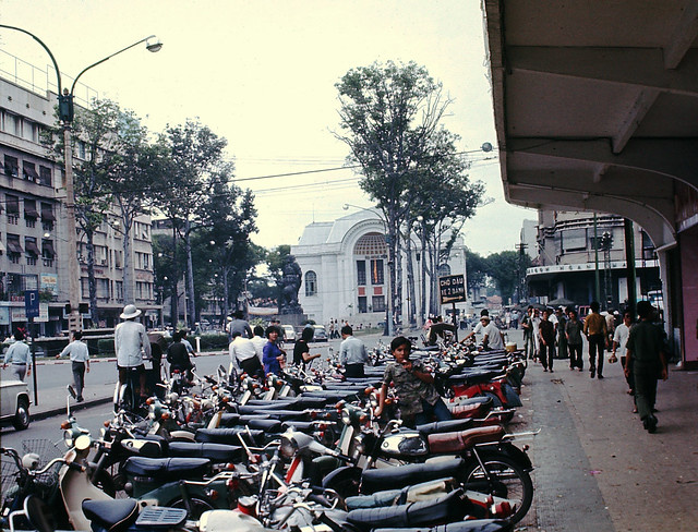 Saigon 1970 by Mark - Le Loi Avenue - House of Representatives - ĐL Lê Lợi - Trụ sở Hạ nghị viện