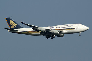 Singapore Airlines Boeing 747-412 9V-SPJ