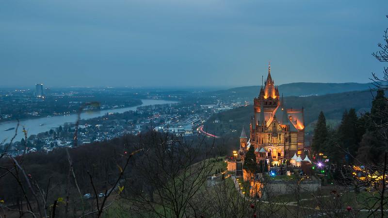 Castillo iluminado