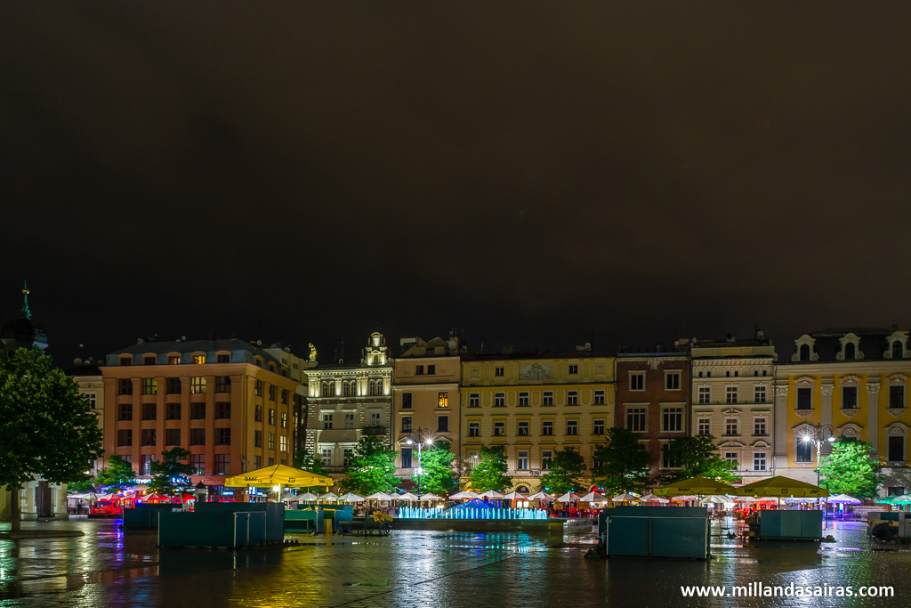 Rynek Glowny o Plaza del mercado de noche