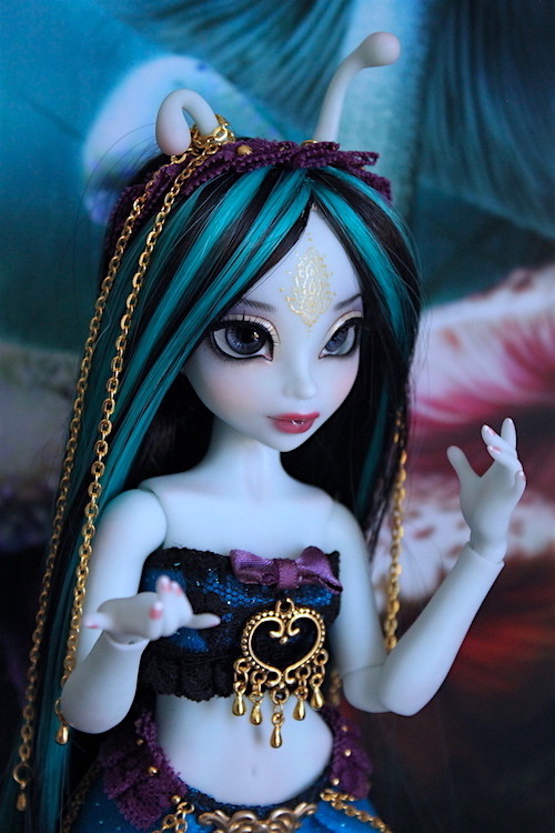 My blue Caterpillar (Aria Mystic Dolls)  25610021060_3e293d16bf_b