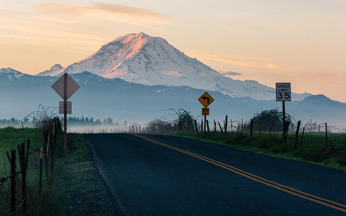 mtrainier mountain landscape sunrise road nature morning rural buckley pacificnorthwest canoneos5dmarkiii canon135mmf2lusm johnwestrock washington
