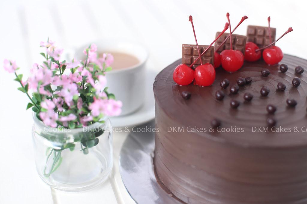 5. Triple Choco Cake DKM Cakes 2