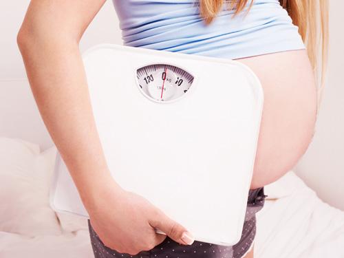 Mẹ bầu tăng nhiều cân có thật sự tốt? - 1