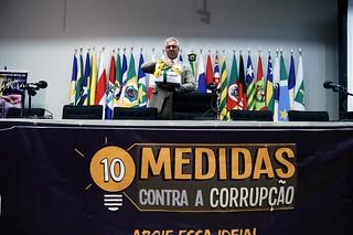 Deputados do Solidariedade com os 2 milhões de assinaturas contra a corrupção