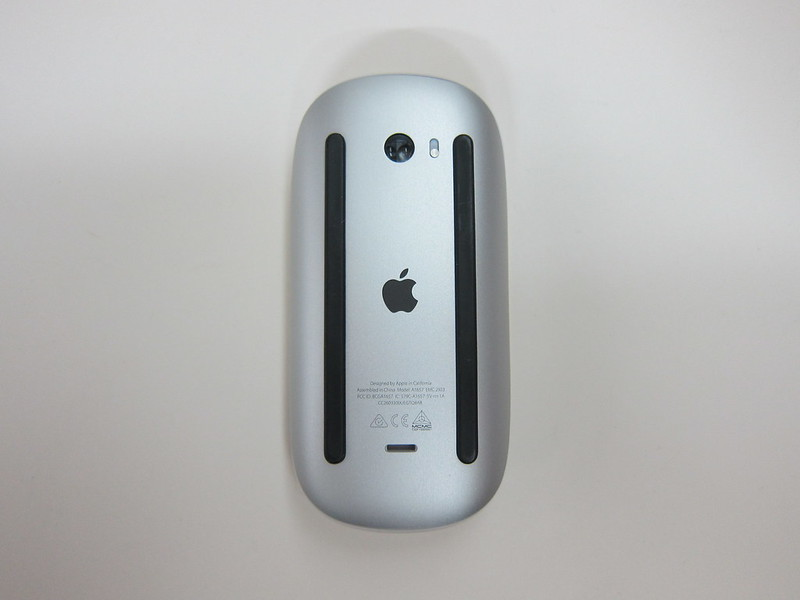 Apple Magic Mouse 2 - Bottom