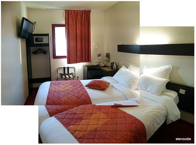 Comfort Hotel CDG Airport hotel room