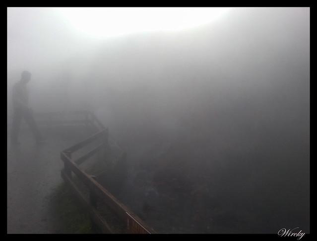 Bajo la nube de vapor en Deildartunguhver