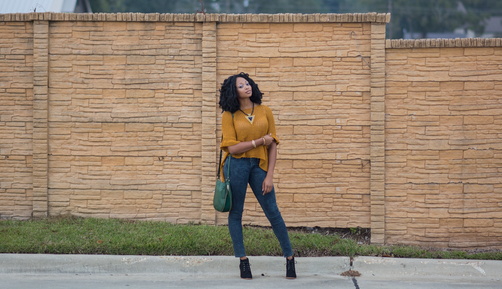 minimalist yellow lightweight sweater casual winter outfit