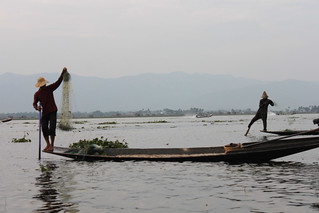 20150211_4380-lake-Inle-fishermen_resize