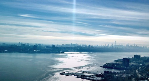 city nyc sky usa cloud ny newyork reflection water buildings river landscape photography lights us photo seaside shadows outdoor manhattan unitedstatesofamerica bluesky shore cityphotography majkakmecova motorolaxt1023