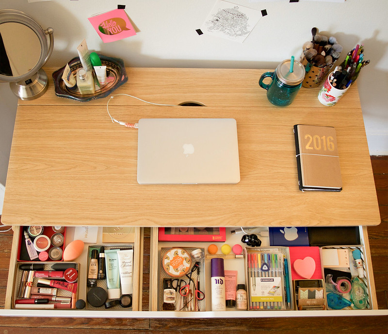 DeskTour1