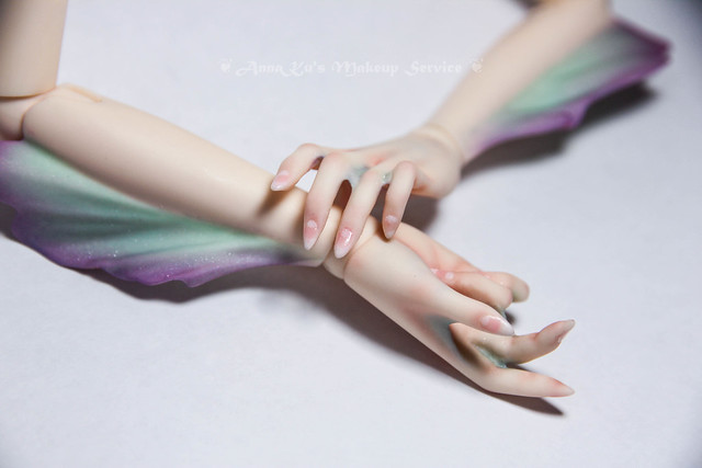 Fairyland Fairyline hands with fins
