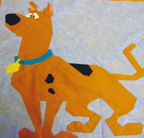 Scooby Doo in 16x16 paper piece quilt block pattern.  Tested by Kathleen Goodman.
