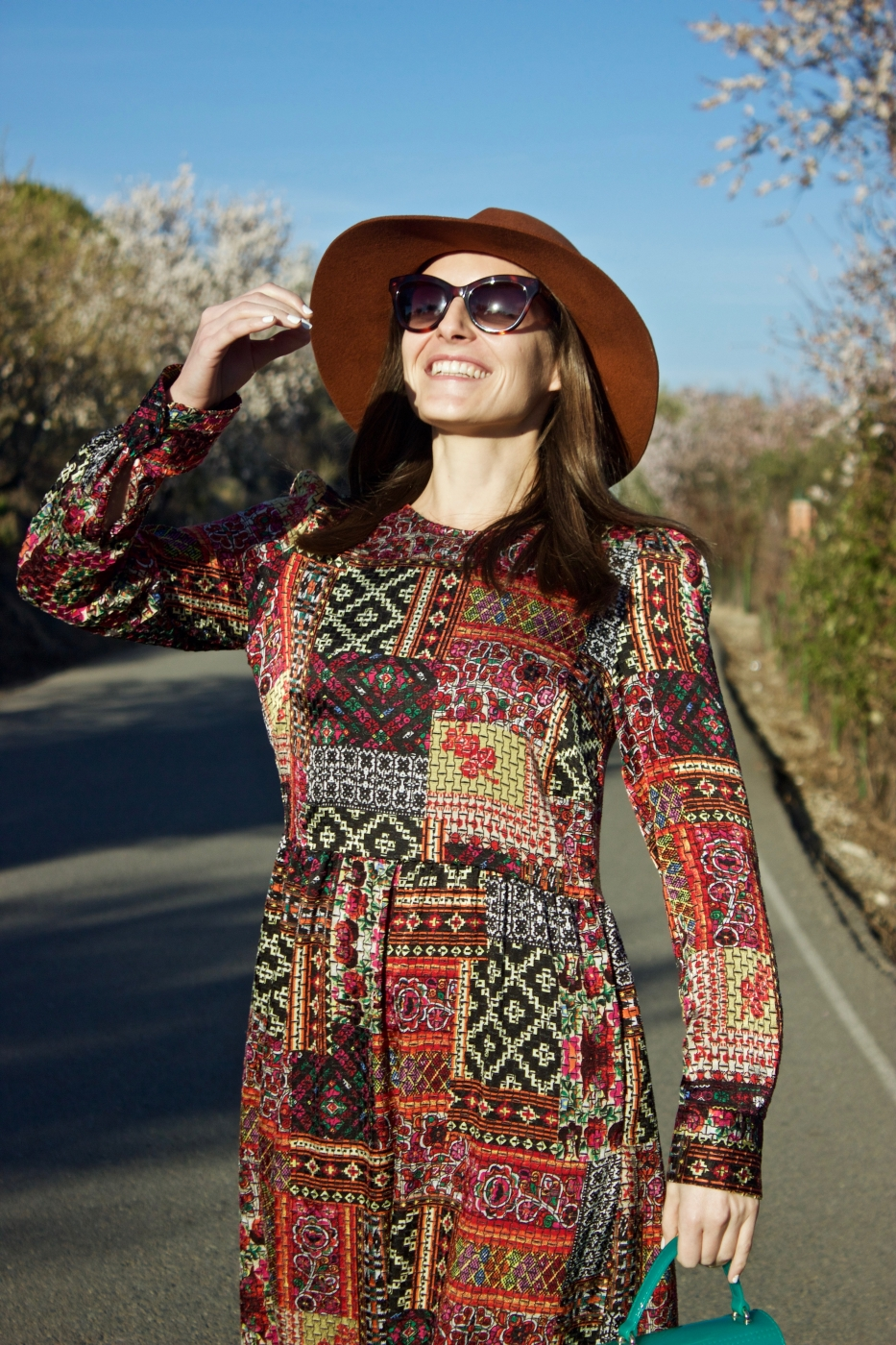 lara-vazquez-madlula-style-fashionblog-moda-streetstyle-happy-face-winter-dress-ootd