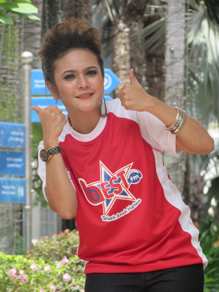 Zarina_Penyampai BestFM Terbaharu1