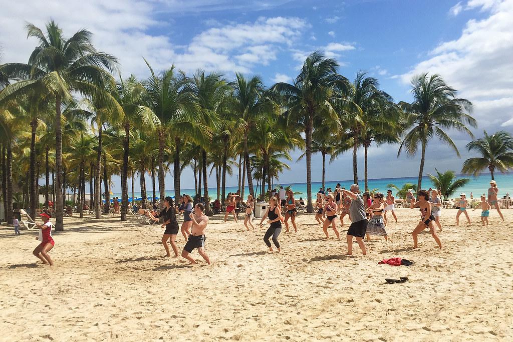 Riu Palace Riviera Maya - Beach Zumba