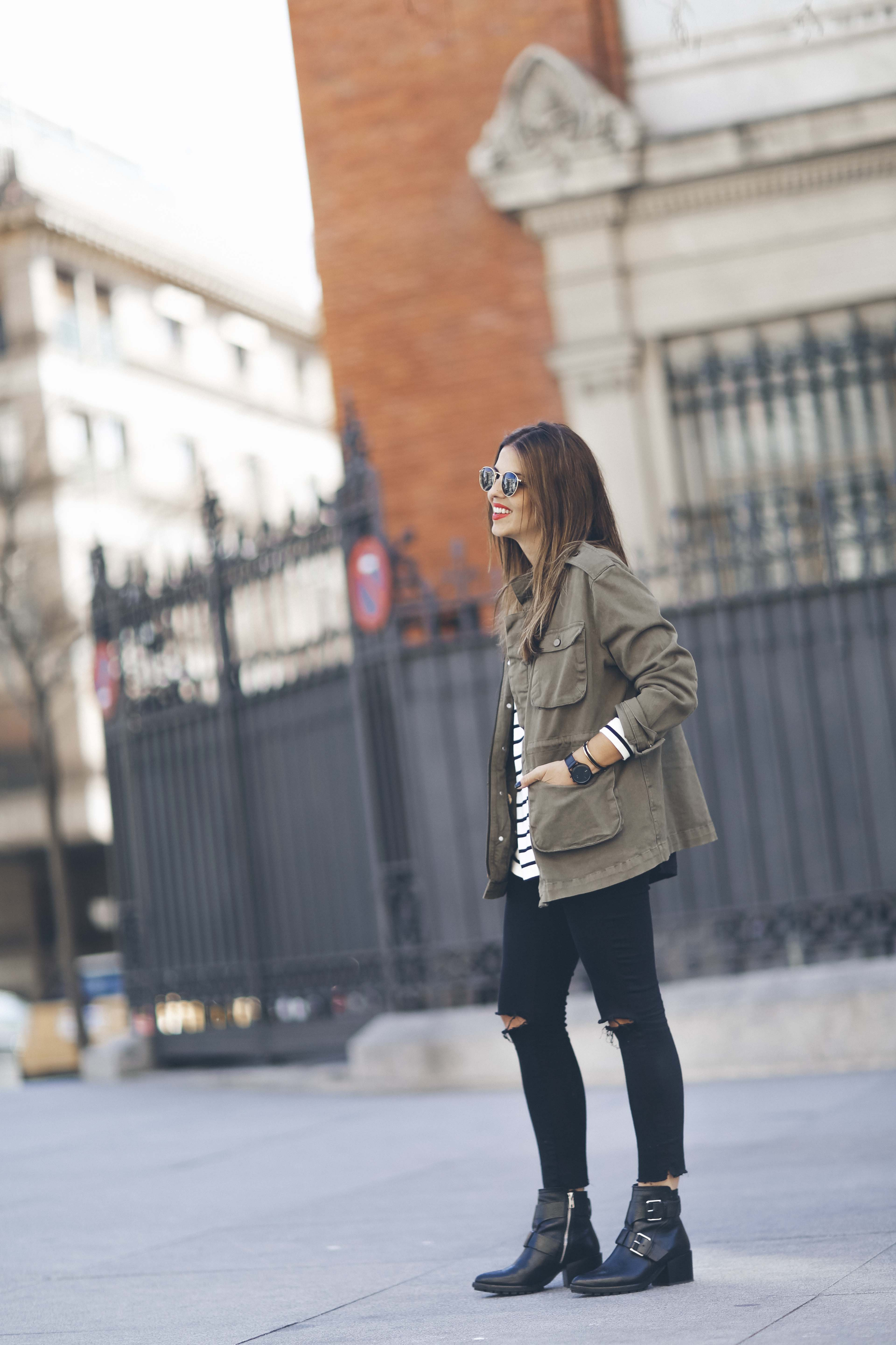 look-outfit-parka-jeans-rayas-zara-chanel-botas-anine_bing-spring-primavera_8