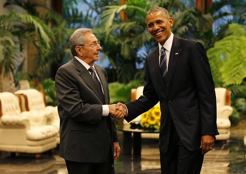 Encuentro de Barack Obama y Raúl Castro en el Palacio de la Revolución.