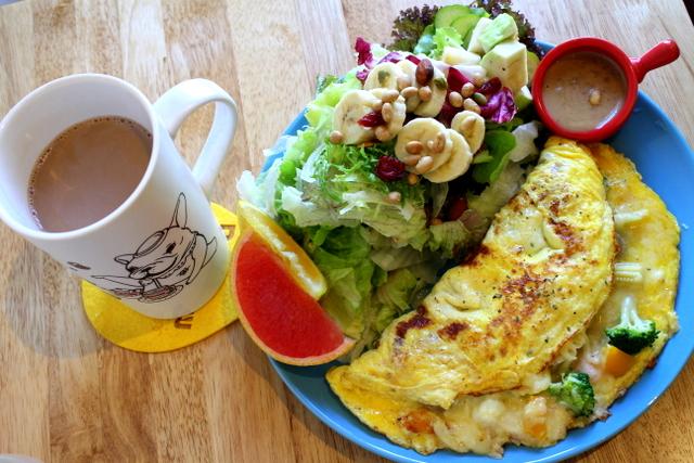 [台中]包旺家BOWWOW–早午餐非常豐盛,寵物友善餐廳,有可愛的店狗喔!@北屯區 漢口路 柳陽西街
