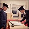 : #Presiden #RI @Jokowi #melantik #Letjen #TNI(Purn.) @AgusWidjojo #Gubernur #Lemhanas #Jumat15/4/16