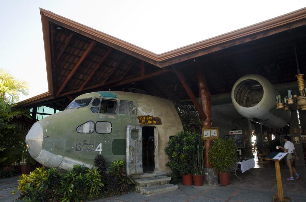El Avion - Manuel Antonio