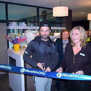 100mm Blauw Lint met Wit bedrukt. Opening Healthcity Kralingen Rotterdam door Jan Kooijman
