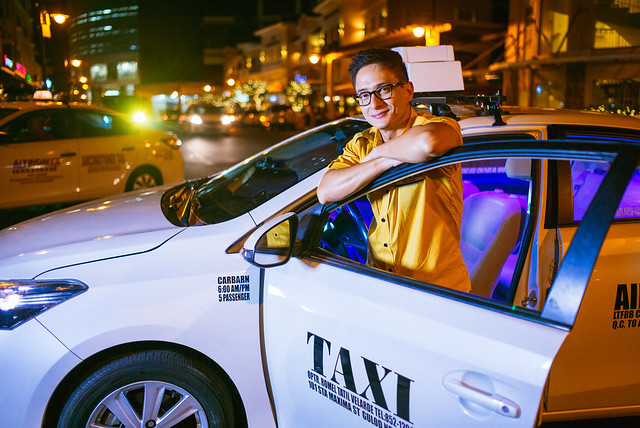 Win Prizes when you ride the coolest Cab in town! | Cash Cab