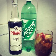 I'm not sure how often Pimm's gets mixed with 칠성사이다 but it is damned tasty and I'm not moving these bottles again. Happy Friday! 새해 복 많이 받으세요! (Happy New Year!) Let's start this monkey year right.