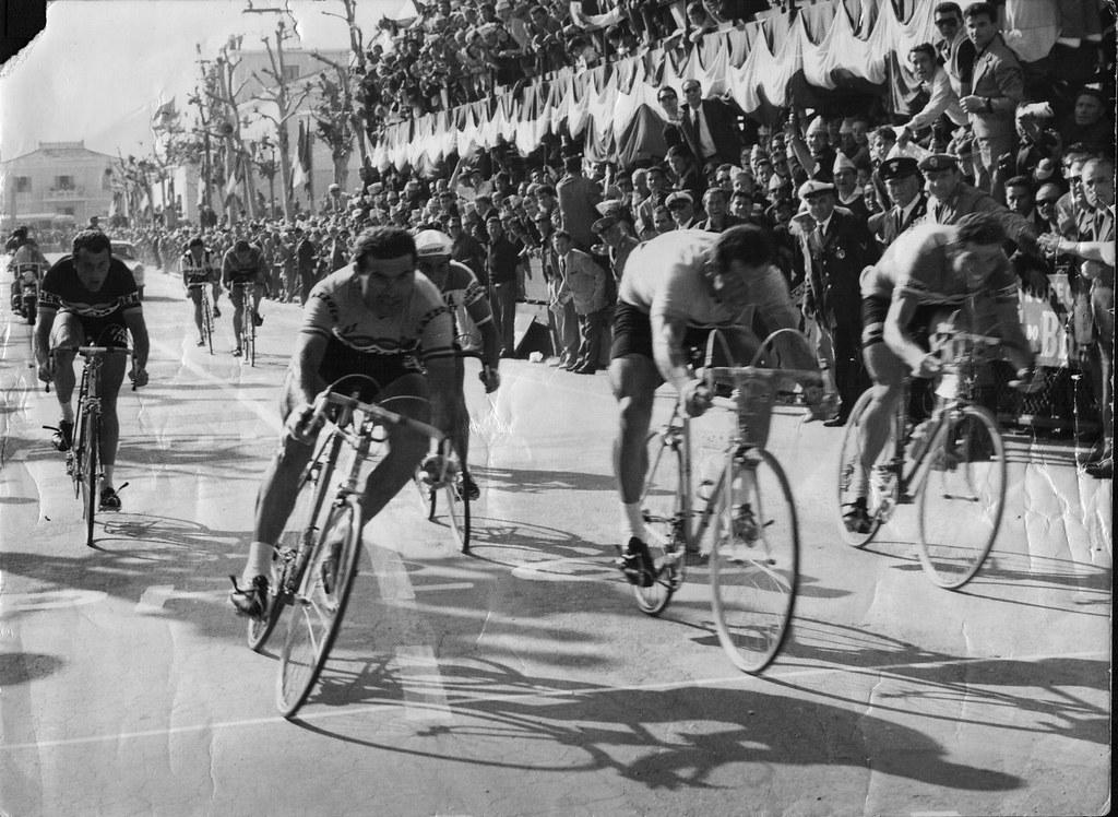 Arrivo 10^ tappa del Giro d'Italia '62 Chieti-Fano (1° Tonucci, 2° Bruni, 3° Marzaioli)