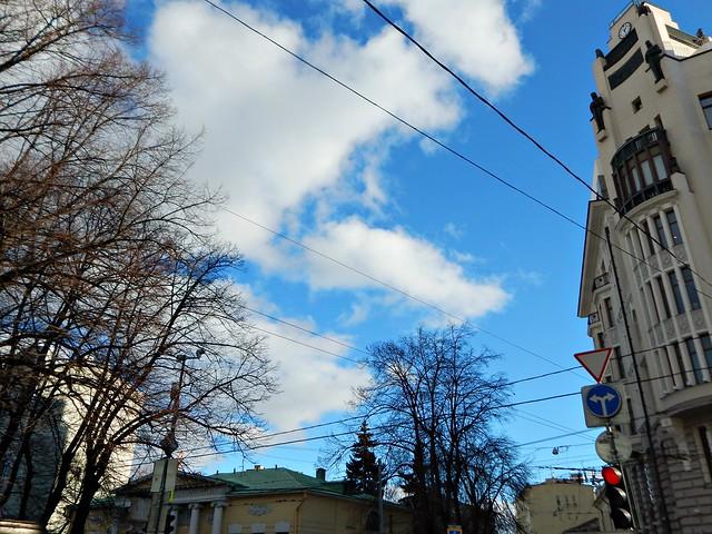 хорошая погода и синее небо в феврале | Хорошо.Громко.
