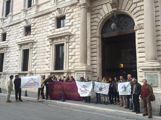 Protesta contro Discarica in Regione