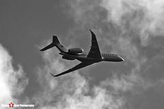 N755RA - 9468 - Bombardier Global 5000 BD-700-1A11 - Luton, Bedfordshire - 2016 - Steven Gray - IMG_5159