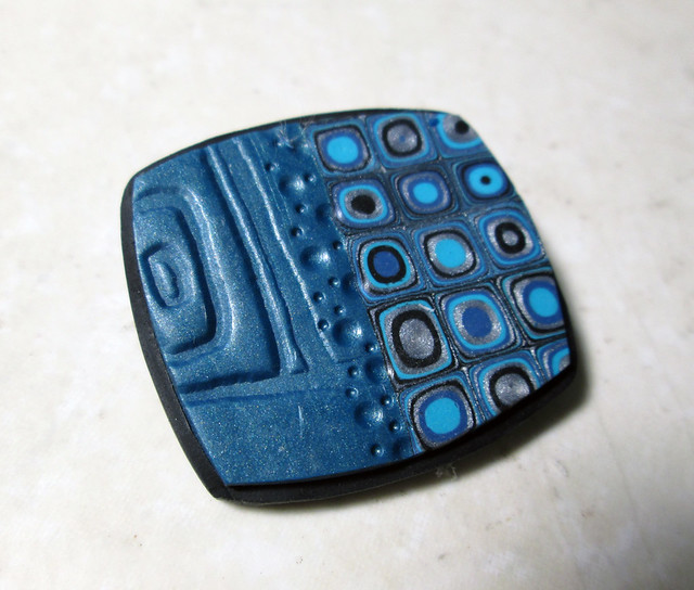 Blue Brooch4