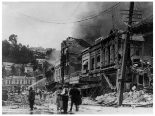 1931 Hawkes Bay Earthquake - Clarendon Hotel on Shakespeare Road in background